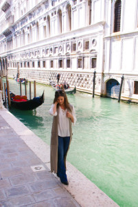 Selinasinspiration Style Fashion Blog Trend Venice Italy Masks Gondola Pizza Pasta Wine Fenice San Marco